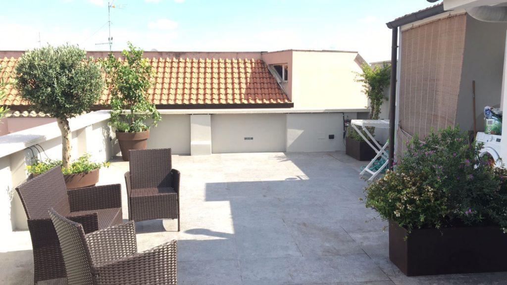 Nuova pavimentazione terrazzo - Roma
